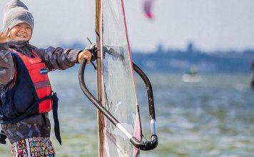Mamo, tato chcę na deskę! – windsurfing dla dzieci