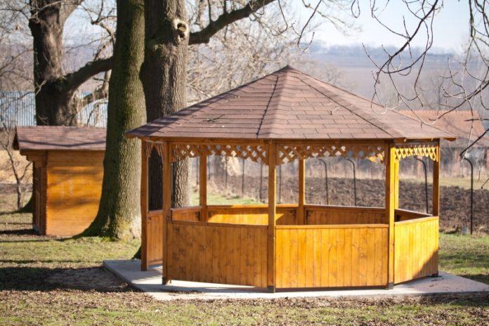 Zabudowy drewniane - doskonały pomysł na planowanie przestrzeni wokół domu