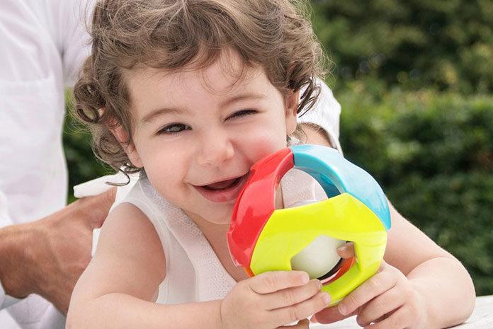 Jak poprzez zabawę wspierać prawidłowy rozwój dziecka?