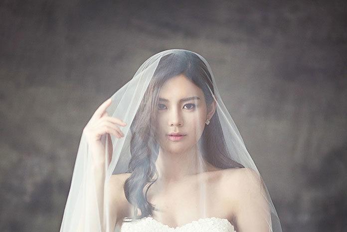 Najmodniejsze kolory 2017 w modzie ślubnej