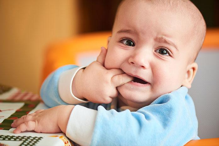 Jak złagodzić ból podczas ząbkowania ?