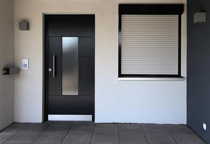 Oryginalne drzwi wejściowe