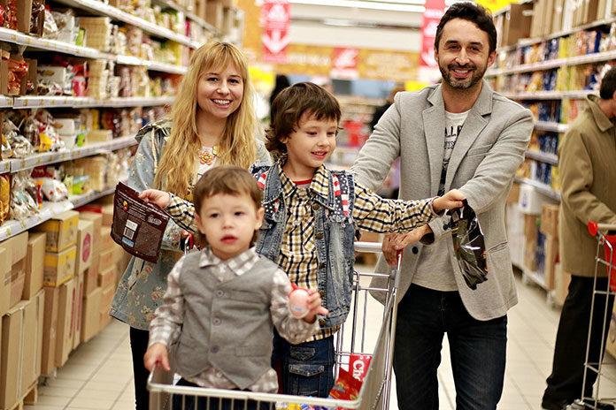 3 proste wskazówki, jak zaoszczędzić na rodzinnych zakupach