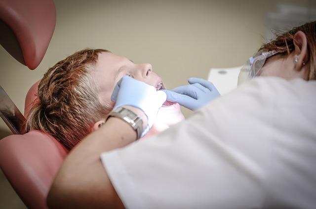 Plombowanie zębów - co warto wiedzieć?
