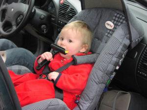 Jakie foteliki samochodowe dla niemowlaków