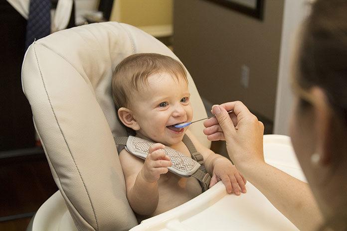Jedzenie dla dziecka. Jak na nim oszczędzić?