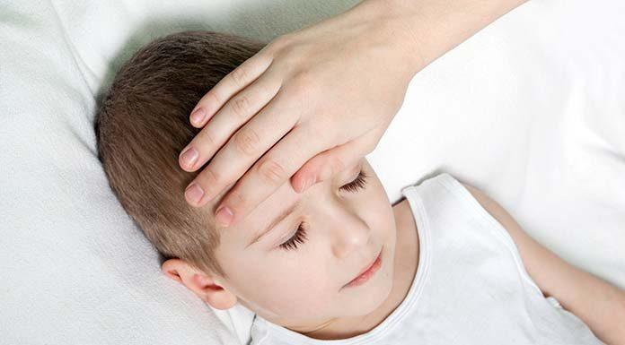 Kiedy i jak obniżać gorączkę u dziecka