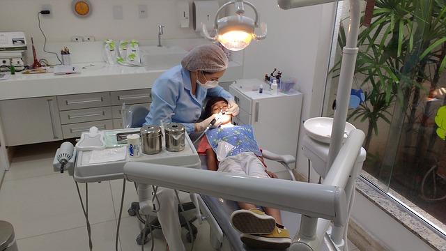 czy maluch powinien bać się wizyty u dentysty?
